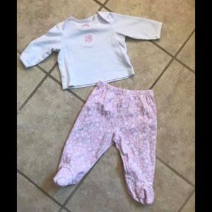 2 two-piece Infant outfits